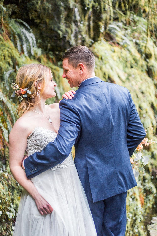 Silver Falls-elopement-bride-and-groom-photo Corina Silva Studios-216.jpg