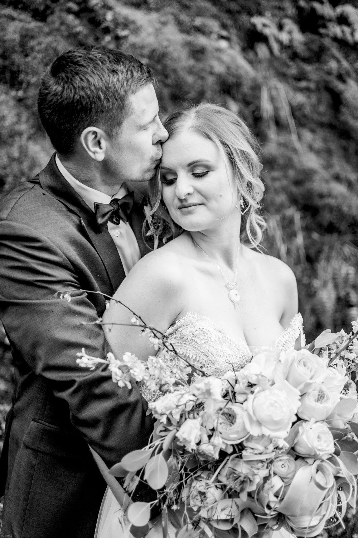 Silver Falls-elopement-bride-and-groom-photo Corina Silva Studios-224.jpg
