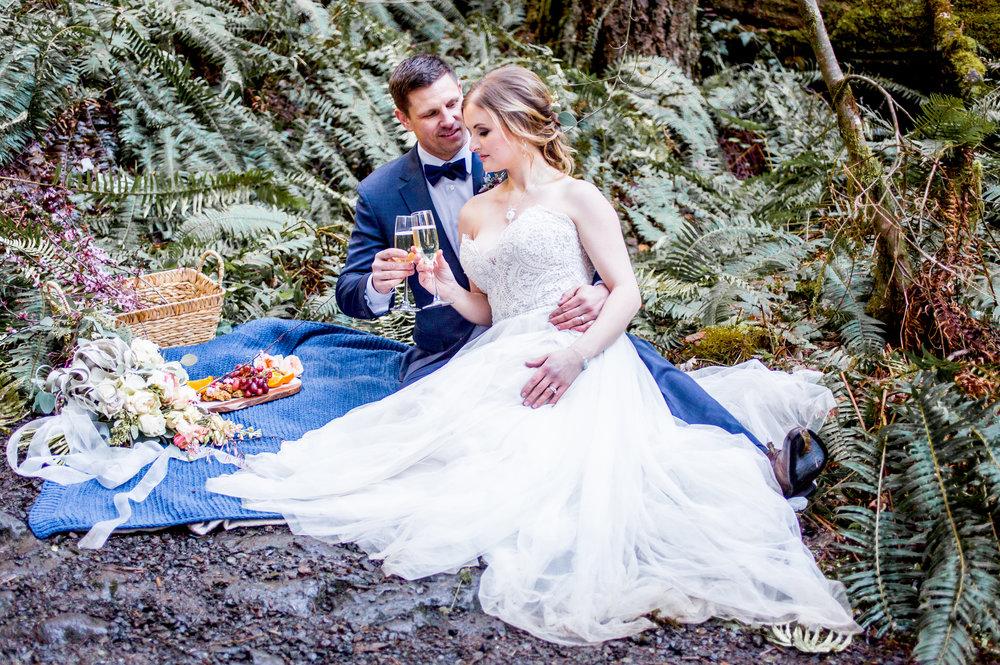 Silver Falls-elopement-bride-and-groom-photo Corina Silva Studios-312.jpg