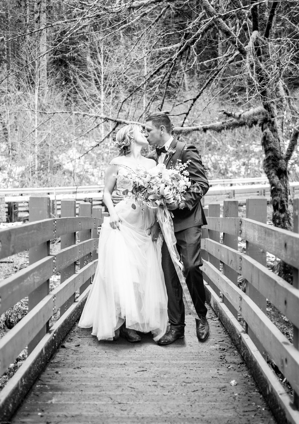 Silver Falls-elopement-bride-and-groom-photo Corina Silva Studios-277.jpg