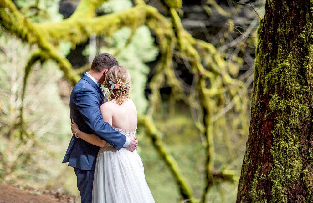 Silver Falls-elopement-bride-and-groom-photo Corina Silva Studios-65.jpg