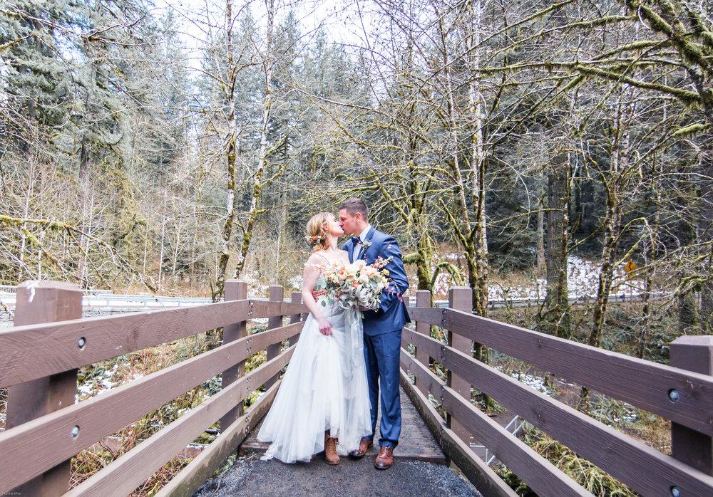 Silver Falls-elopement-bride-and-groom-photo Corina Silva Studios-282.jpg