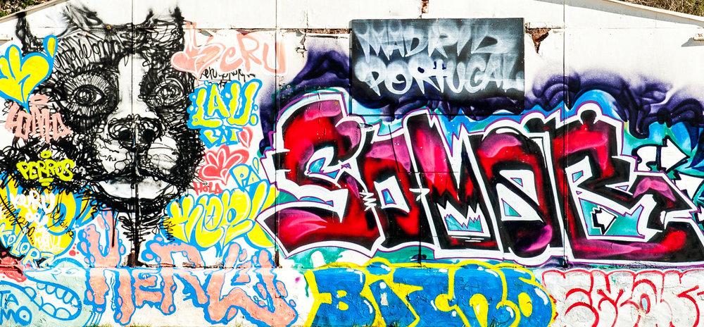 Graffiti na praia da Angrinha - Ferragudo