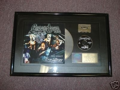 snoop-dogg-platinum-award-for-no-limit-top_1_762d8b2ef6c3891824fb30ff8cd88a04.jpg