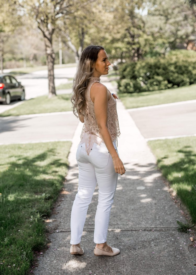 51731bbea6 White Jeans Lookbook — The Basic Bitch Blog