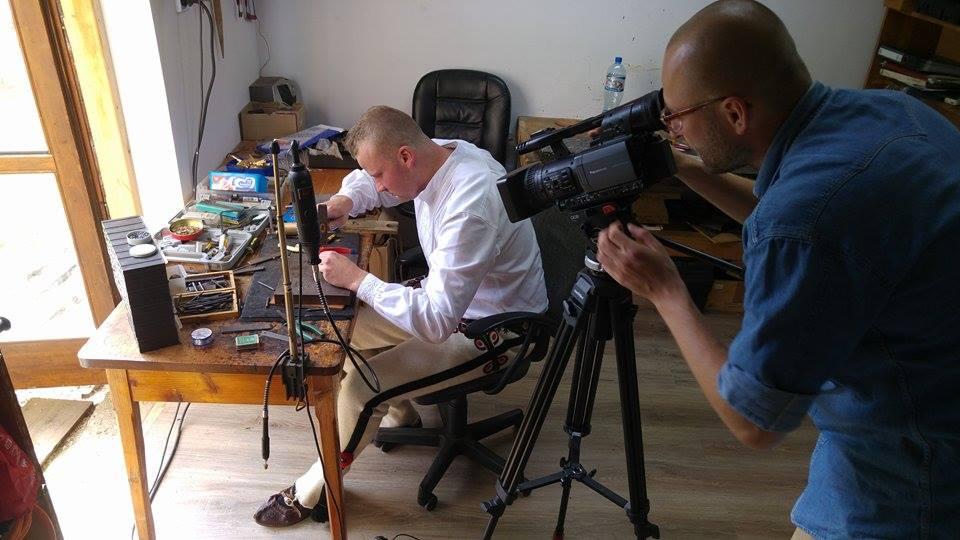 Documenting_the_work_of_Mr_Andrzej_Wojtas_over_highland_jewelery_in_Bukowina_Tatrzanska.jpg