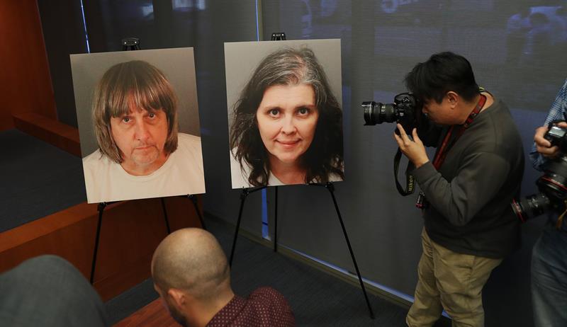 Las autoridades presentan 38 cargos contra la pareja que secuestró a sus 13 hijos 1.jpg