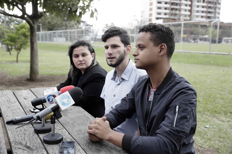 Pareja homosexual cancela matrimonio en Costa Rica por prohibición a notarios 1.jpg