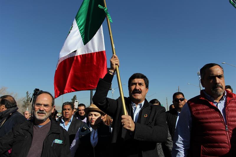 El gobernador de Chihuahua inicia marcha contra la corrupción en México .jpg