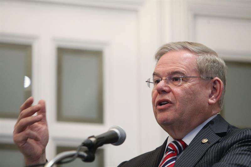 Un juez desestima siete cargos y mantiene otros 11 contra el senador de EE.UU. Bob Menéndez .jpg
