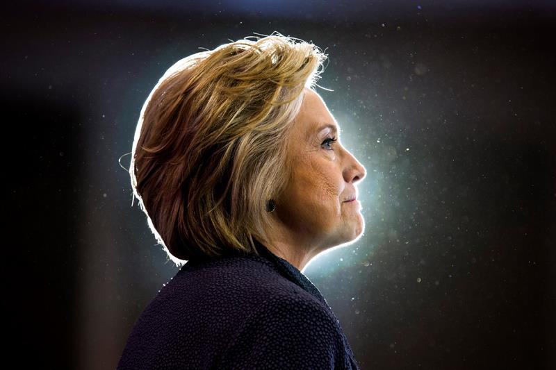 Hillary Clinton se negó a despedir a un asesor acusado de acoso, según el NYT .jpg