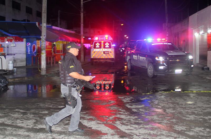 Un ataque en un bar deja tres muertos y cuatro heridos en Cancún .jpg