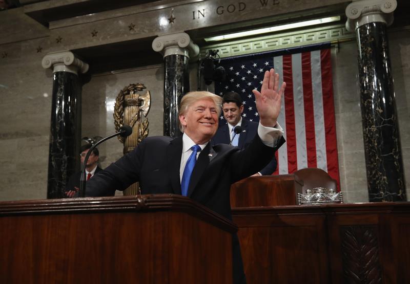 Trump apela a un %22nuevo momento%22 en EE.UU. para actuar en migración y economía .jpg