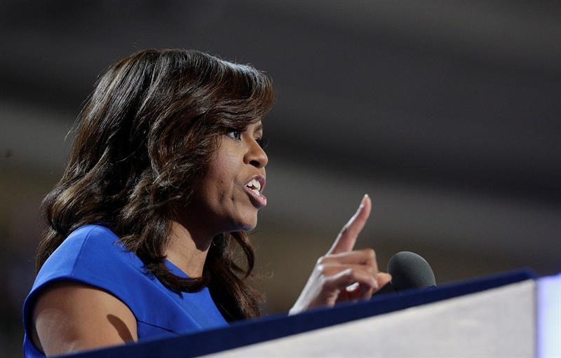 Michelle Obama pide mantener la esperanza a los %22asustados%22 por la dirección del país .jpg