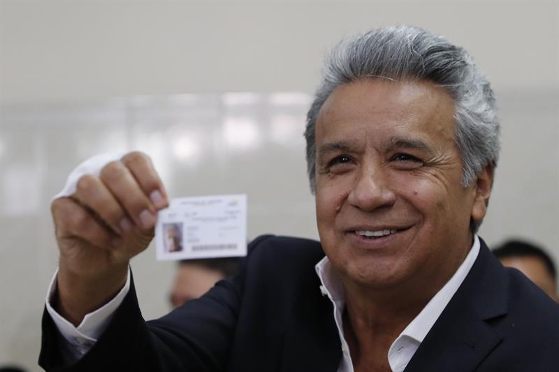 Moreno logra el respaldo del sí a su consulta, pero no doblega al correísmo .jpg