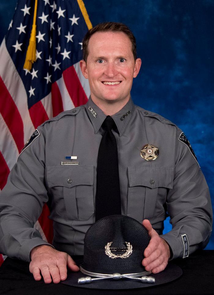 Mueren un policía y un sospechoso en un tiroteo que dejó cuatro heridos en EE.UU. .jpg