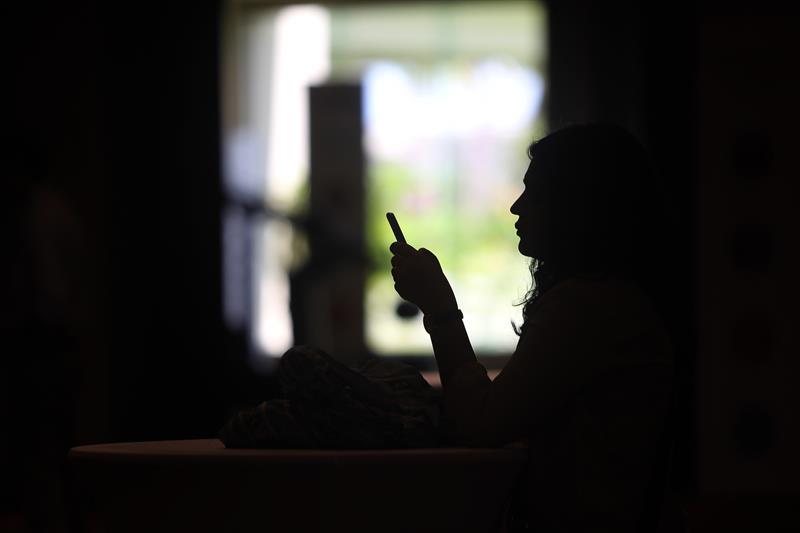 Una nueva alerta falsa en teléfonos celulares siembra el desconcierto en EE.UU. .jpg
