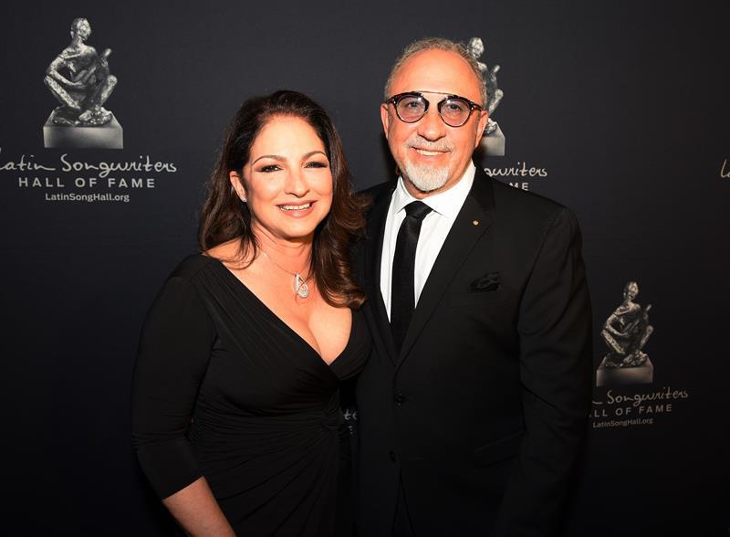 Los Premios Lo Nuestro le rendirán homenaje a Gloria y a Emilio Estefan .jpg