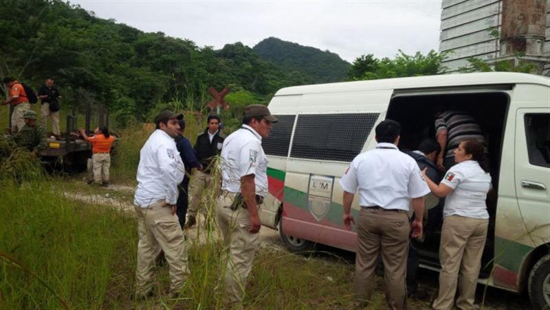 Detienen en México a 100 migrantes centroamericanos con documentación falsa .jpg