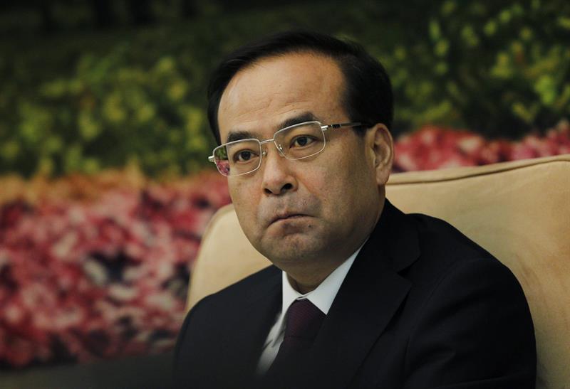 Un ex ministro chino es acusado de abuso de poder y de aceptar sobornos .jpg