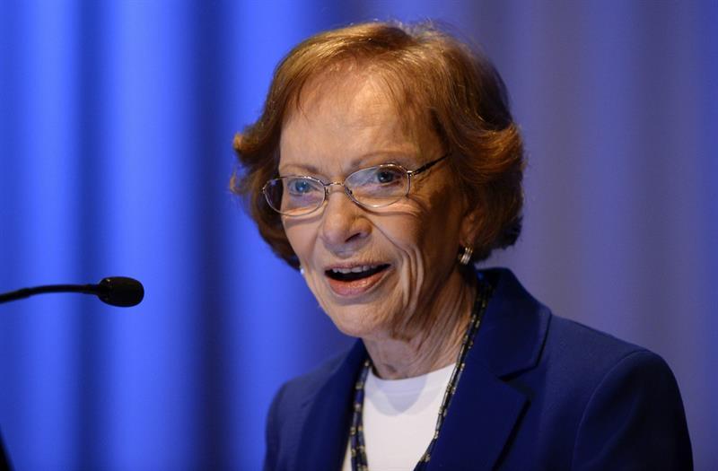 La esposa de Jimmy Carter se recupera de una operación intestinal .jpg