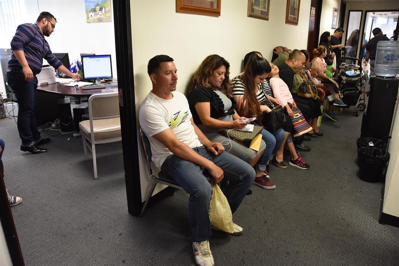 Más de 25.000 salvadoreños renuevan TPS a menos de un mes para fin de plazo .jpg