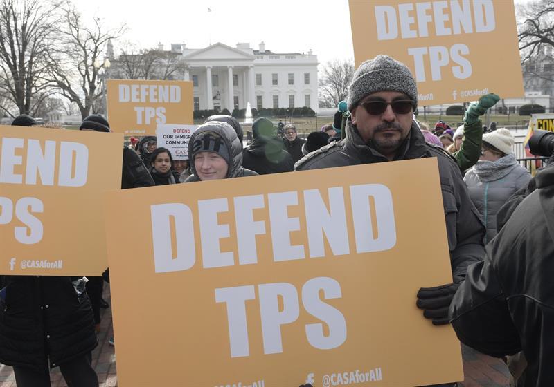 Presentan demandas para que beneficiarios del TPS se queden en EE.UU. .jpg