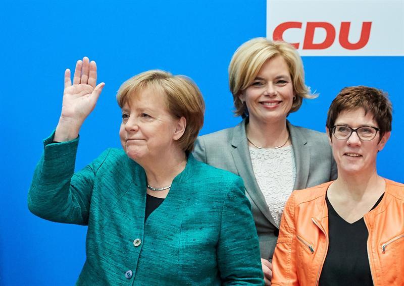 Merkel incluirá en su gobierno rostros nuevos, incluido un crítico a su línea .jpg