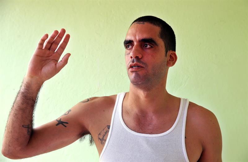 El grafitero opositor %22El Sexto%22 viaja a Cuba en busca de su exmujer e hija .jpg