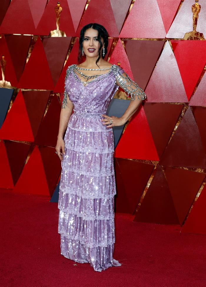 Salma Hayek, la peor vestida  Óscar 2018 .jpg