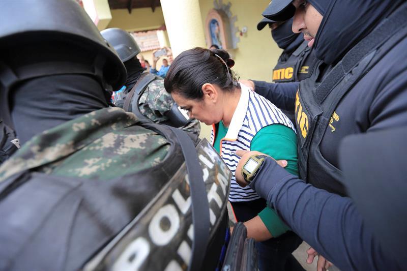 Formal procesamiento contra la ex primera dama hondureña acusada por corrupción .jpg