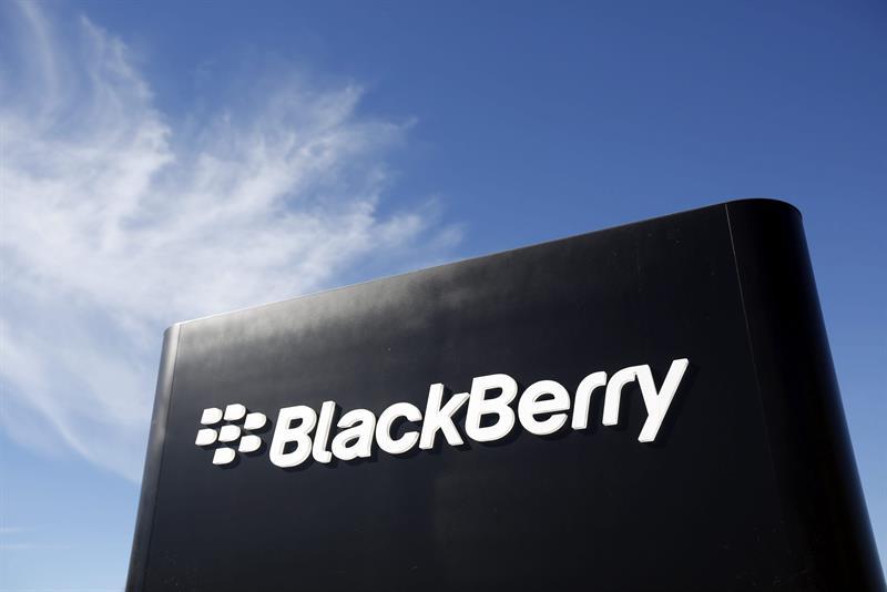 Blackberry demanda a Facebook por violación de patente relativa a la mensajería .jpg