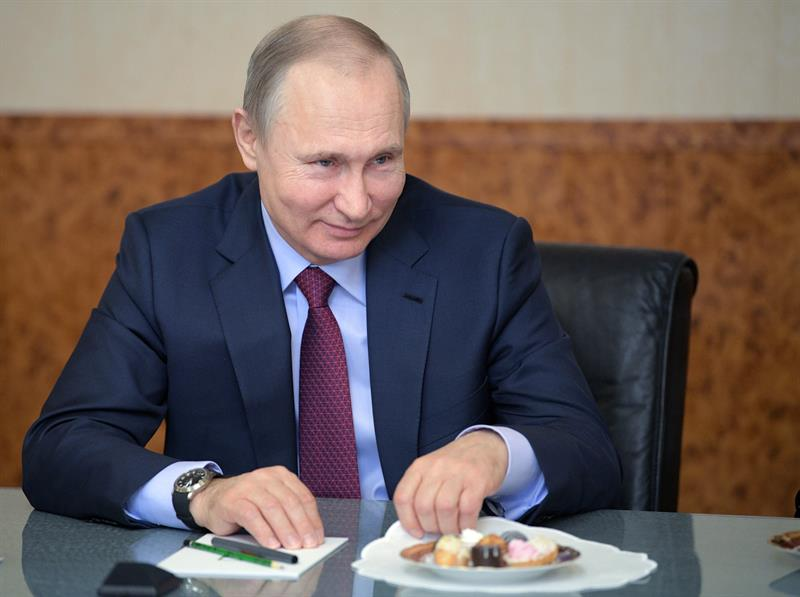 Putin ganará las presidenciales con dos tercios de los votos, según un sondeo .jpg