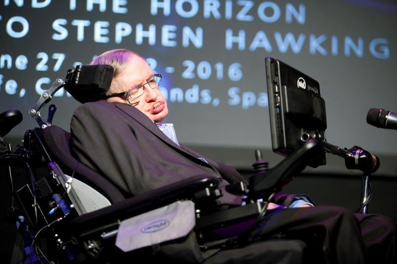 El físico británico Stephen Hawking fallece a los 76 años .jpg