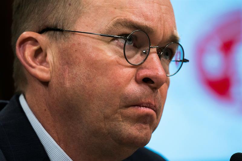 Acusan al jefe de la oficina de presupuesto de Trump de uso indebido de fondos .jpg