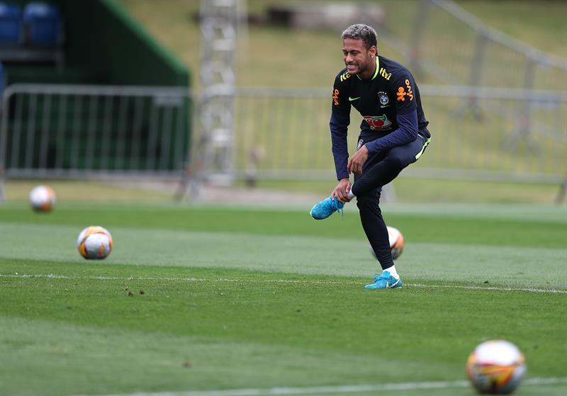 Neymar empieza a entrenarse y celebra el triunfo del PSG .jpg
