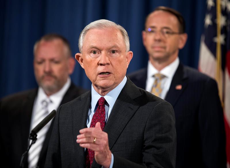 El fiscal general de EE.UU. evalúa despedir al subdirector del FBI y quitarle la pensión .jpg
