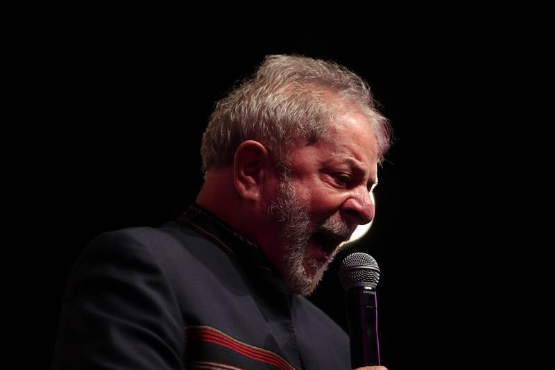Lula dice que pueden detenerlo en una celda pero no pueden detener sus ideas .jpg