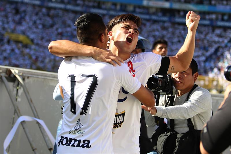 Alianza suma 40 juegos invicto y alarga su ventaja en la cima del fútbol en El Salvador .jpg
