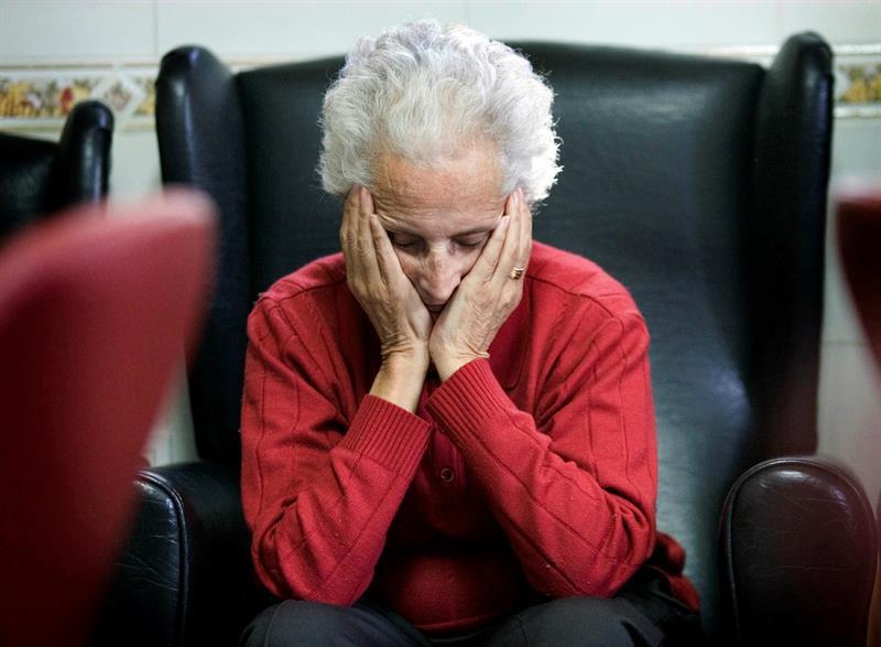 Descubren anticuerpos que eliminan placas de Alzheimer en etapas iniciales .jpg