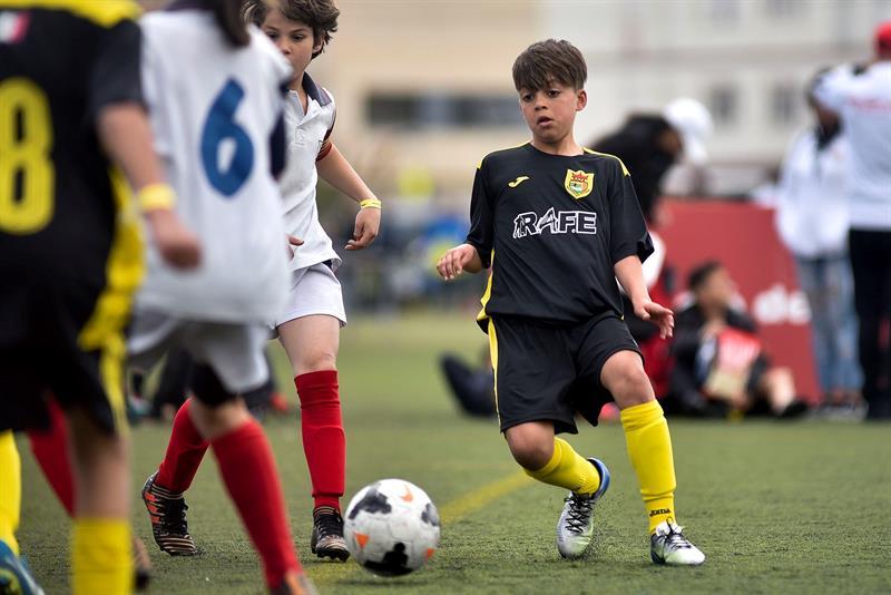 El ahijado de Ronaldinho brilla en el torneo infantil de Cataluña .jpg
