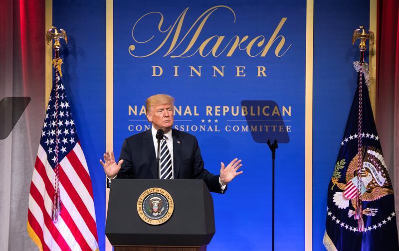 Trump quiere establecer cuotas anuales a los jueces de inmigración .jpg