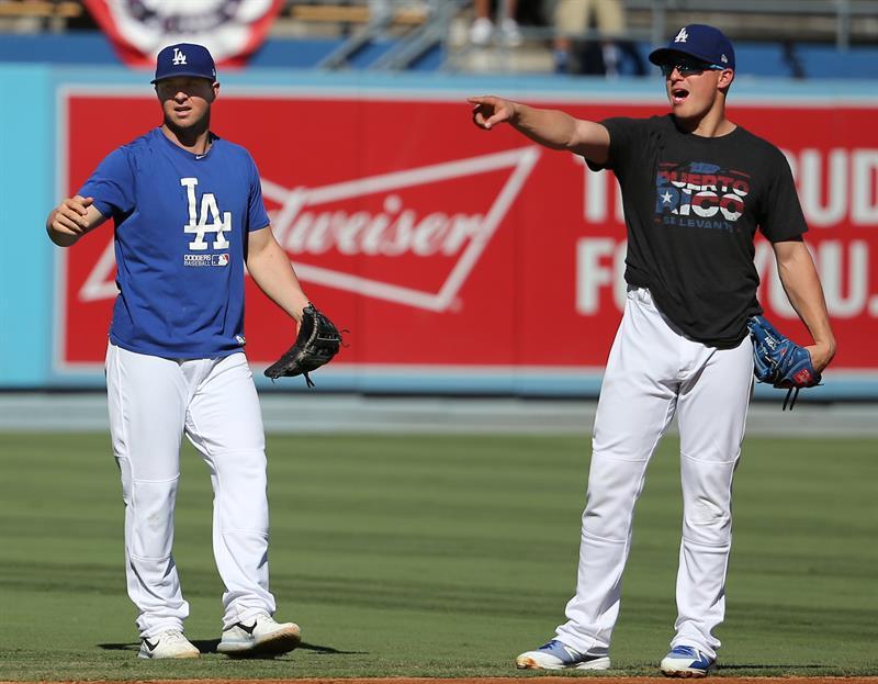 1-2. Farmer pega doble y define la victoria de los Dodgers .jpg