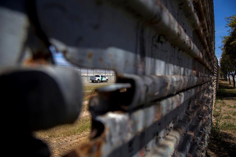 El fiscal general de EE.UU. cree que la militarización puede resolver la %22crisis%22 fronteriza .jpg