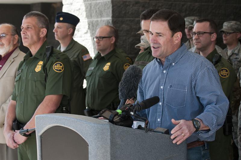 Arizona despliega a la frontera los primeros soldados de la Guardia Nacional .jpg
