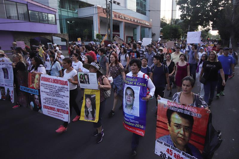 Pocos avances tras un mes de desaparición de 3 estudiantes en oeste de México .jpg