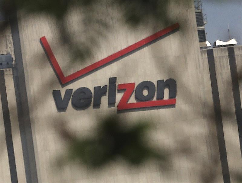 EE.UU. investiga si AT&T y Verizon se coordinaron para perjudicar a los usuarios .jpg