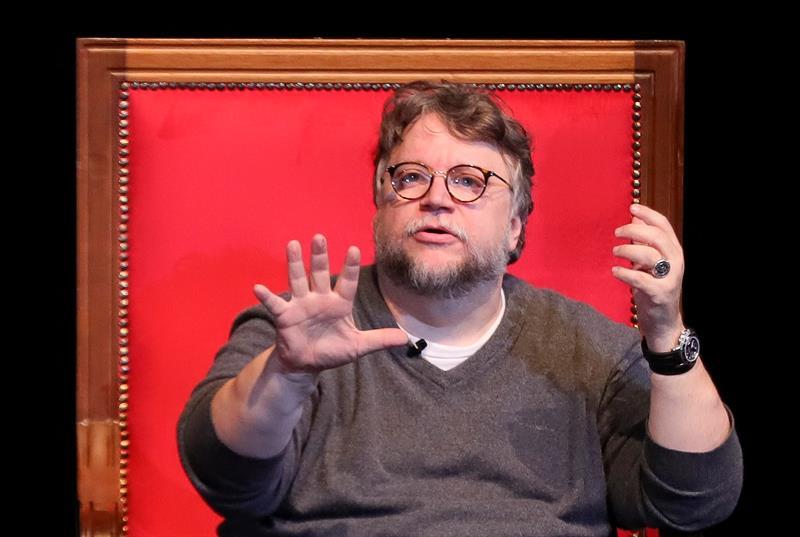 Del Toro y García Bernal lamentan asesinato de estudiantes mexicanos de cine .jpg