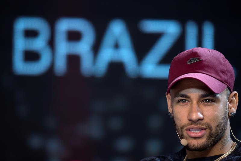 La evolución de Neymar es %22satisfactoria%22 y su pie ya no está inmovilizado .jpg