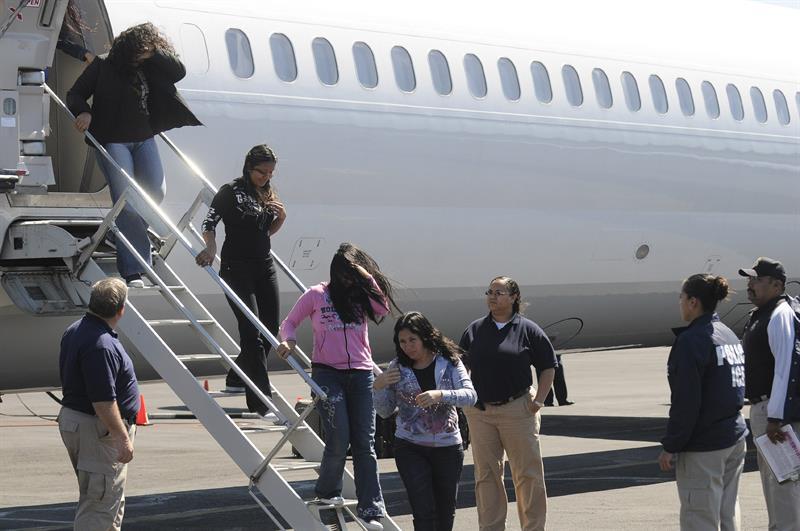 Las deportaciones de salvadoreños caen un 26,8 % en lo que va del 2018 .jpg
